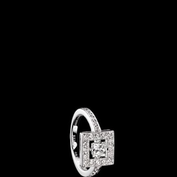 Boucheron-ava-ring