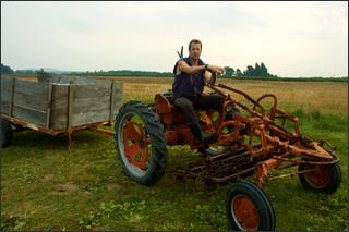 Farm_tractor_rev